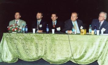 Жаркие дискуссии о грибковой этиологии синуситов. Слева направо: М.Вламинк (Бельгия), В.Буцина (Австрия), Х.Браун (Австрия), И.Поникау (США), Р.Сетлифф (США)