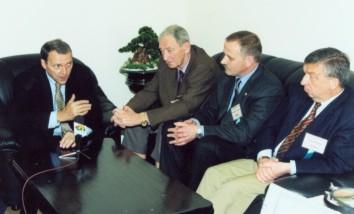 Во время визита в областную больницу. Слева направо: В.Манн (Германия), М.Тос (Дания), В.Козлов, В.Драф (Германия)