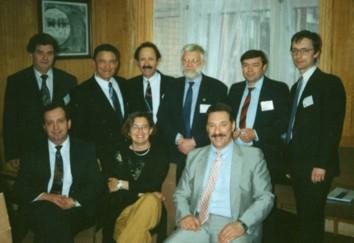 Группа участников (слева направо): стоят: Г.Тимен, Г.Пискунов, Ю.Керн, Б.Петруссон, С.Безшапочный, А.Лопатин; сидят: Д.Заболотный, М.Стенквист, Я.Накатис